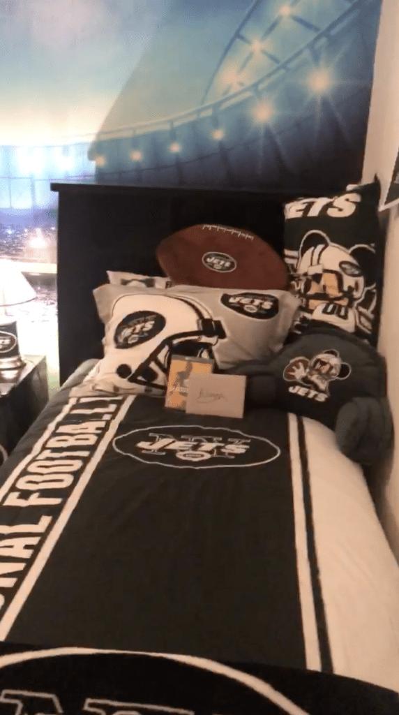 Alizynn Flores' bedroom