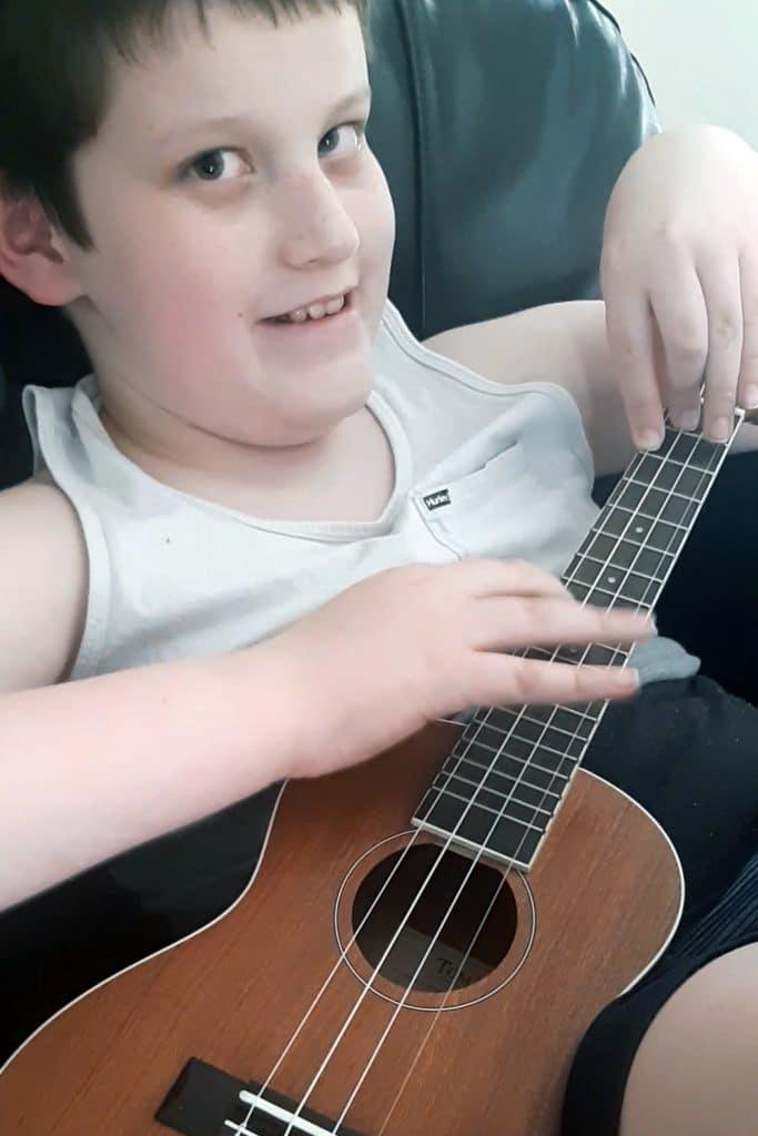 blind boy amazing at guitar