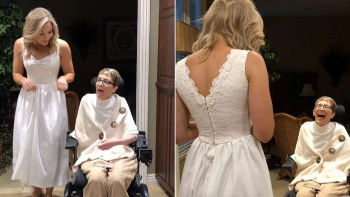 Jo Johnson Overby surprising her mom in her old wedding dress